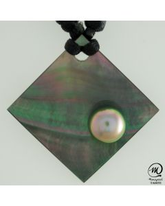 Unisex Nacre Pendant with Tahitian Pearls