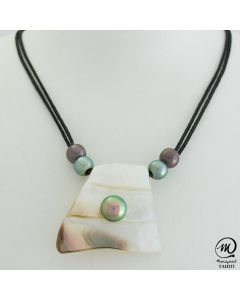 Unisex Nacre Pendant with Tahitian Pearls by MANAPEARL
