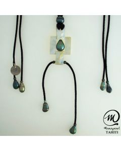 Nacre Pendant with Tahitian Pearls by MANAPEARL TAHITI